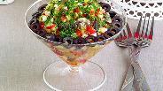 Фото рецепта Салат с грибами и крабовыми палочками