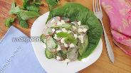 Фото рецепта Салат из огурцов с редисом и мятой