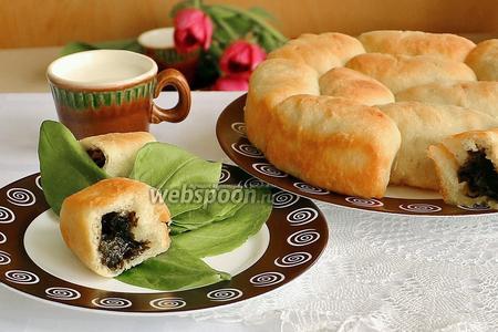 Фото рецепта Пирог с щавелем «Дружная семейка»