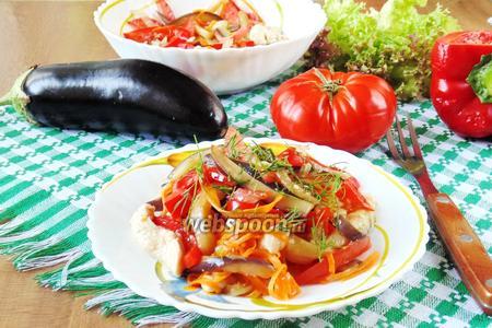 Фото рецепта Тёплый салат с куриной грудкой и овощами