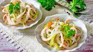 Фото рецепта Закуска из кальмаров с луком и сладким перцем