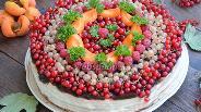 Фото рецепта Бисквитный торт с ягодами и шоколадом