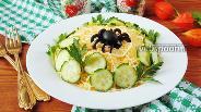 Фото рецепта Салат со шпротами и сыром «Паутинка»