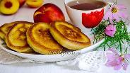 Фото рецепта Оладьи на рисовой муке с фруктами