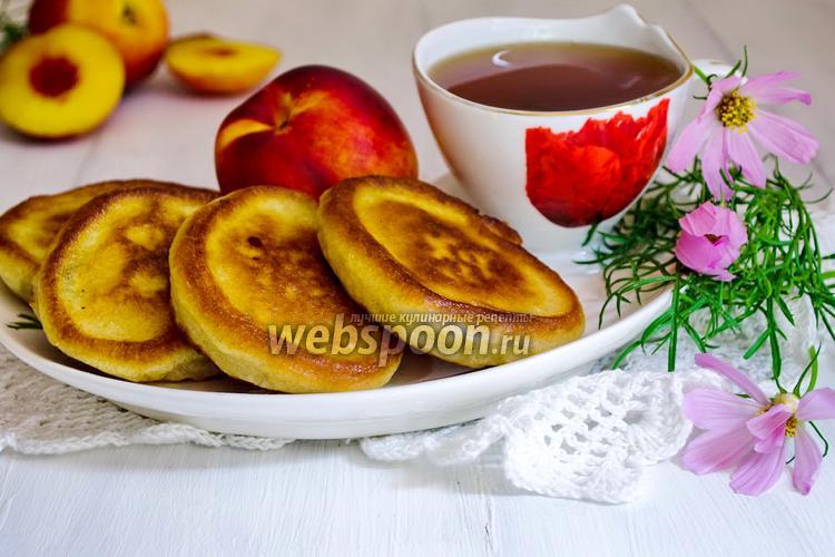 Фото Оладьи на рисовой муке с фруктами