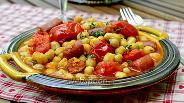 Фото рецепта Гарбанзос кон Чоризо — нут с колбасой Чоризо