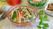 Фото рецепта Салат с дайконом и яблоком