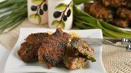 Фото рецепта Оладьи из курицы и черемши