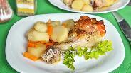 Фото рецепта Куриная голень, запечённая с кунжутом, сыром и грейпфрутом