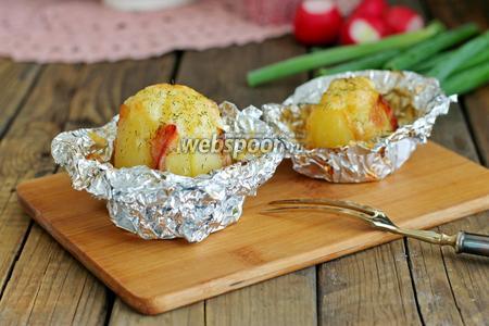 Картофель запечённый в фольге с беконом