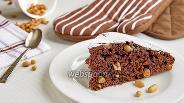Фото рецепта Шоколадный пирог с арахисом