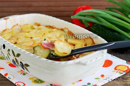 Фото рецепта Картофель с беконом и кабачками