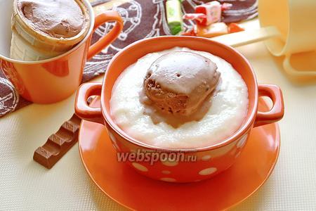 Манная каша с шоколадным мороженым