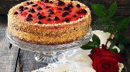Фото рецепта Торт ягодный с зефирным муссом