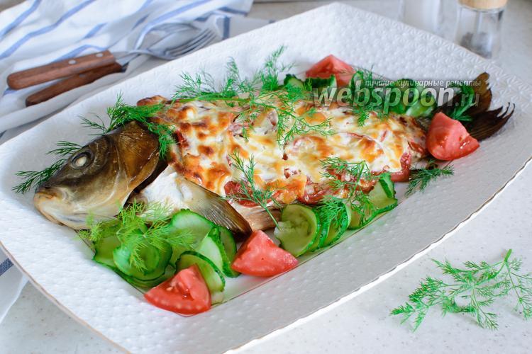 Фото Карп с помидорами в духовке