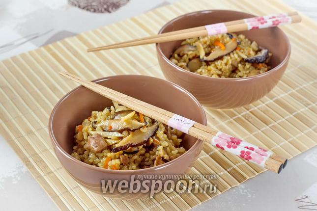 Фото Рис с овощами и курицей гомоку гохан