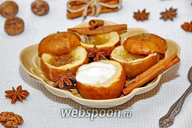 Фото Печёные яблоки в мультиварке