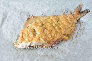 Ставим противень с рыбой в разогретую до 180°С духовку на 20-25 минут. Приятного аппетита!