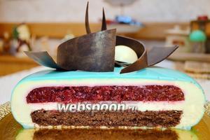 А это разрез, выполненный моими друзьями, так как тортик «ушёл» на другую вечеринку!:))