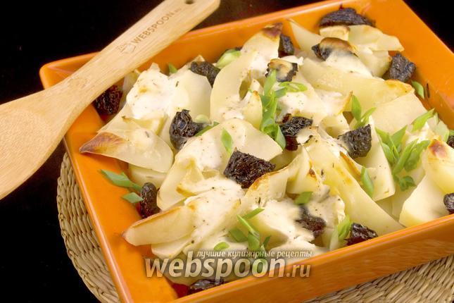 Фото Картофель с черносливом в духовке