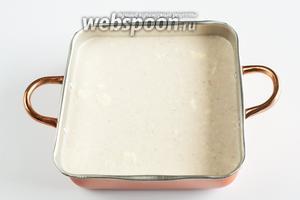 Выливаем тесто в любую огнеупорную форму, которую можно поместить в духовку. Тесто не должно доходить до кромки посуды. На пике подъёма объём шмакофана, по этому рецепту, увеличивается в 2 раза!
