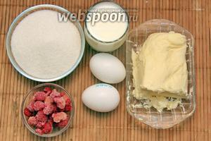 Для приготовления крема нам понадобится молоко, яйца, масло, сахар, малина.