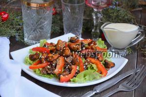 Тёплый салат с мидиями
