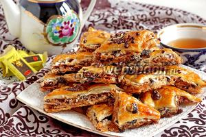Пахлава медовая с шоколадом