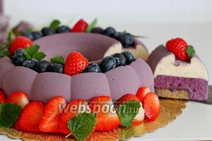 Муссовый торт с черникой и велюром