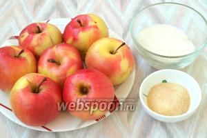 Для приготовления десерта нам понадобятся яблоки, сахар и желатин. Желатин сразу следует залить холодной кипячёной водой для набухания.