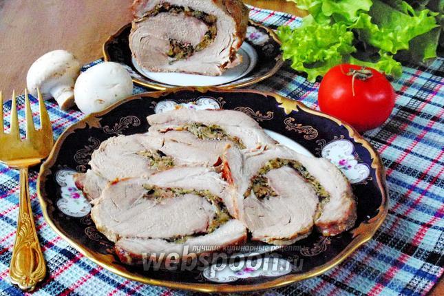Фото Рулет из свинины с грибами и сыром