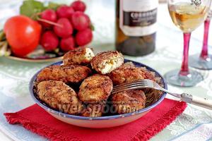 Куриные котлеты с сыром и яйцом