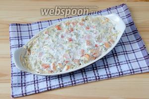 Отправляем морского окуня под сметанным соусом в духовку, разогретую до 180° на 40 минут. Готовую рыбку подаем с отварным рисом или картофелем. Приятного аппетита!