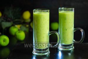 Зелёный напиток из авокадо и яблока