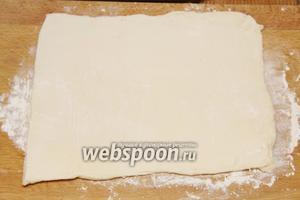 Раскатываем тесто (200 г).