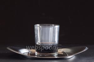 Нижний слой — кофейный ликёр.