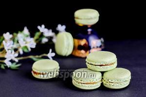 Macarons с чаем матча