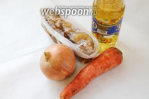 Приготовим грибы, морковь, лук, масло, соль.