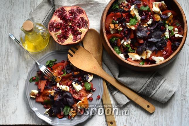 Фото Салат с адыгейским сыром и помидорами