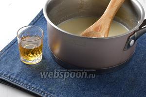 По желанию в пропитку из сгущённого молока добавить 2 ст. л. коньяка. Его можно и не добавлять, но в горячий, летний период коньяк увеличит срок годности изделия.