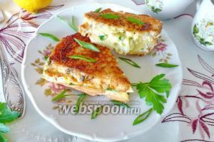 Сэндвич с яйцом на сковороде