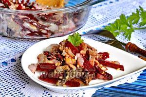 Салат с грибами и свёклой