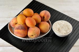 Для работы нам понадобятся персики, абрикосы, сахар.