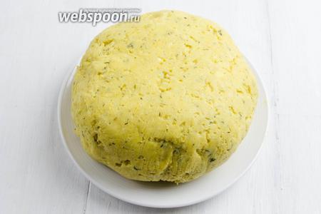 Приготовить творожное тесто для пирога. Для его приготовления я использовала домашний сыр (можно взять творог жирный).