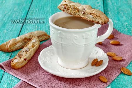 Фото рецепта Печенье Кантуччи с миндалём