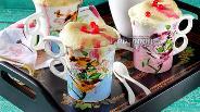 Фото рецепта Кекс в кружке с ягодами
