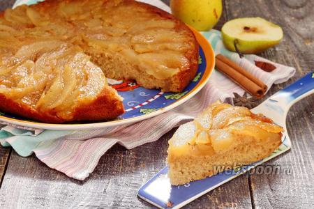 Фото рецепта Пирог с карамельными грушами