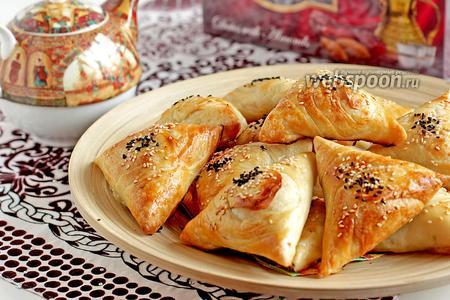 Самса узбекская из слоеного теста с бараниной