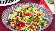 Фото рецепта Салат из овощей с вёшенкой и крабовыми палочками