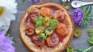 Фото рецепта Пирог с яблоками и сливами